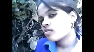 Indian sexy school girl hard-sex her bf in outdoor